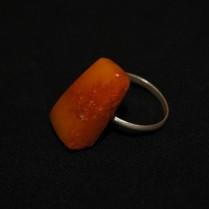 Vintage amber finger ring